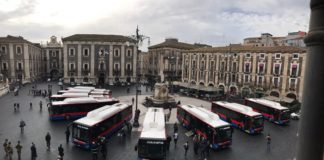 Bus Amt in piazza Duomo a Catania