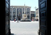 Piazza Duomo, Catania. Foto Davide Vizzini