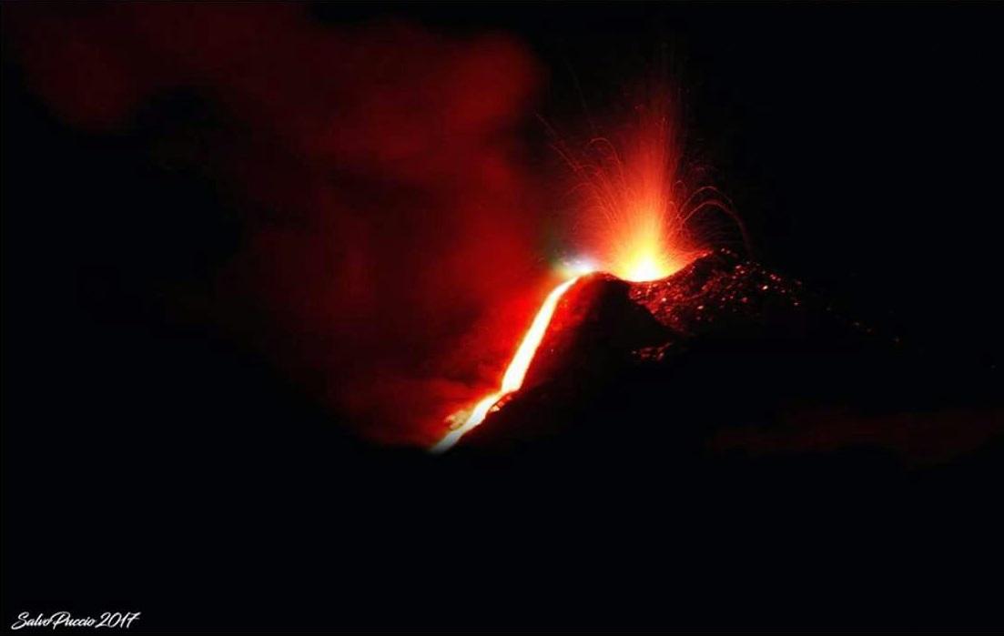 Eruzione Vulcano Etna: secondo l'INGV sta rilasciando un notevole grado di energia