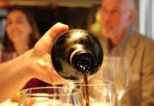 bottiglia vino versato