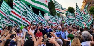 CISL bandiere manifestazione
