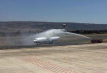 Comiso, atterraggio e water cannon volo da Katowice