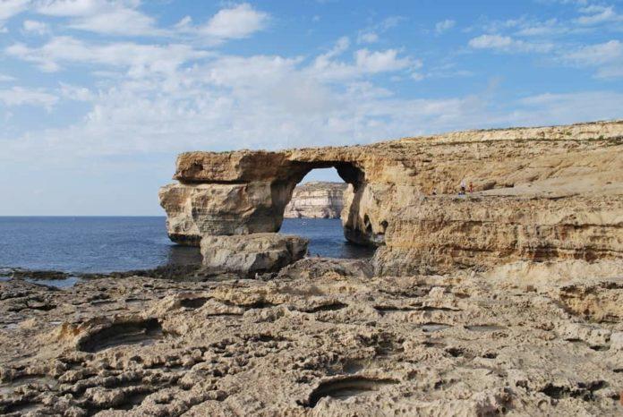 Malta finestra azzurra mare