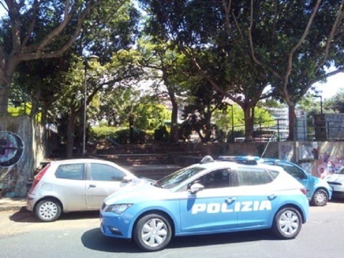 polizia in piazza Falcone, Catania