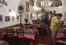 ragazzi disabili lavorano in trattoria a Catania