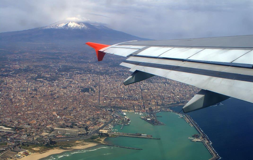 Etna verso normalizzazione situazione voli aeroporto for Affitti catania privati non arredati