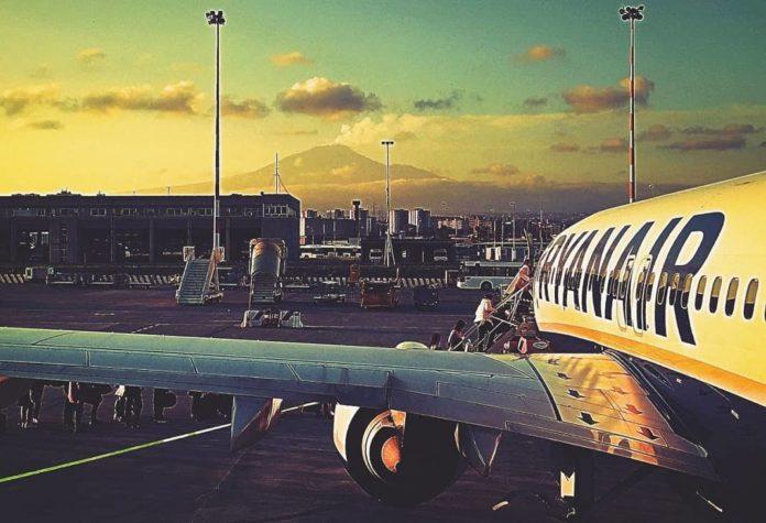 aereo etna aeroporto
