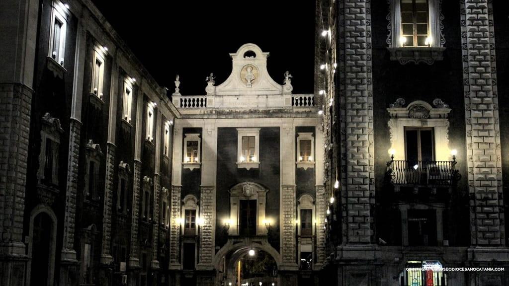 Catania Alla Terrazza Del Museo Diocesano Presentazione