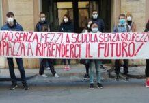 APERTURA-HASHTAG-SICILIA-NEWS-NOTIZIE-GIORNALE-ONLINE-OGGI-NOTIZIA-DEL-GIORNO-REDAZIONE-STUDENTI-PROTESTA-PROTESTE-RUGGERO-CARUSO-FRONTE-DELLA-GIOVENTù-COMUNISTA-FABRIZIO-RUSSO