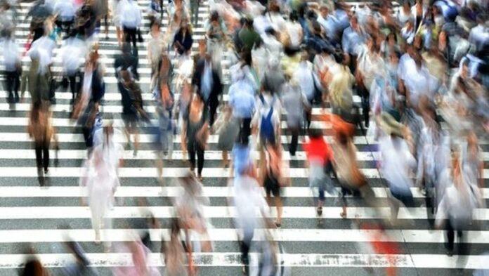 APERTURA-HASHTAG-SICILIA-NEWS-NOTIZIE-GIORNALE-ONLINE-OGGI-NOTIZIA-DEL-GIORNO-REDAZIONE-ASSEMBRAMENTO-FOLLA-DI-PERSONE-CONFUSIONE-GENTE-ECONOMIA